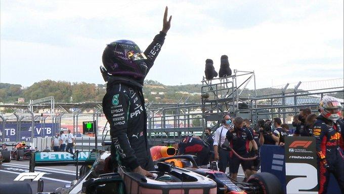 Pole para Hamilton