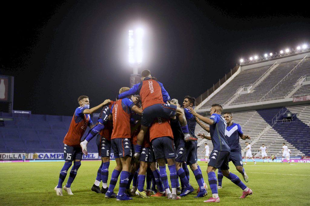 Vélez le ganó a Huracán